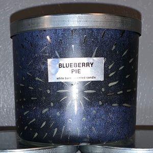 Bath & body works blueberry pie 3 wick candle